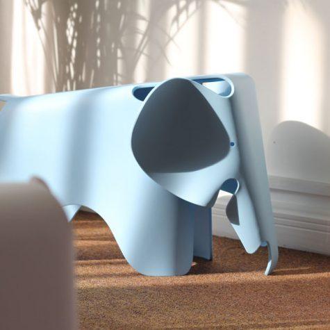Banco Eames Elefante Azul