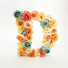 Letra Floral D