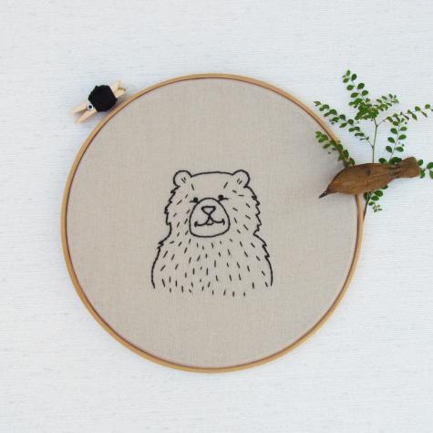 Quadro Bastidor Bordado Urso